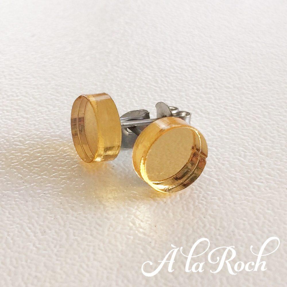 Circle stud earrings -
